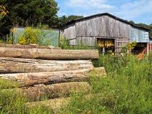 谷仓和木材 免版税库存图片