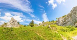 谷Eselsburger Tal,德国的兹瓦本地方阿尔卑斯的山 图库摄影