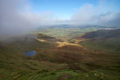 谷Panoramatic视图在Brecon烽火台的在南威尔士 免版税库存图片