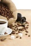 豆咖啡杯研磨机 库存照片