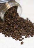 豆咖啡瓶子 免版税库存照片