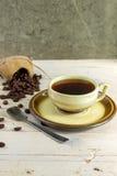豆无奶咖啡杯子样式葡萄酒 免版税库存图片