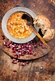 豆炖煮的食物白色 库存图片