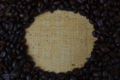 豆粗麻布关闭咖啡 免版税库存照片