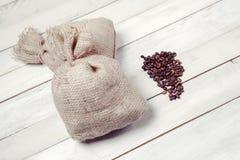 豆粗麻布咖啡大袋 库存图片