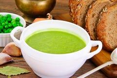 绿豆饮食汤奶油纯汁浓汤  库存照片