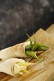 豆s被包裹的薄煎饼荚 库存照片
