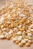豌豆分裂了黄色 免版税库存图片