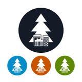 象与礼物的圣诞树,传染媒介例证 免版税库存图片