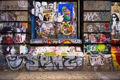 象亭子的NYC街道画 免版税库存照片