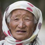 画象印地安老妇人 Leh,印度 免版税库存照片