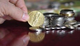 象征和硬币 免版税库存照片