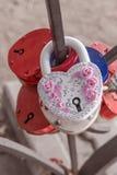 象心脏的婚姻的挂锁 图库摄影