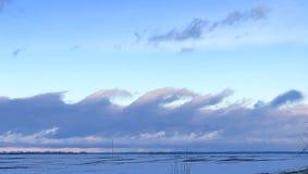 象波浪的天空 免版税图库摄影