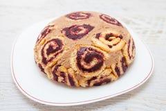 象甜可可粉和果酱蛋糕的乌龟 库存照片