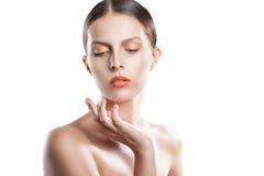 画象秀丽妇女面孔 有完善的新鲜的干净的皮肤的美丽的式样女孩 青年和皮肤Care.Beauty画象妇女 免版税库存图片