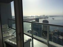 象从顶楼房屋的迈阿密视图 免版税库存图片
