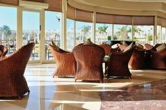 豪华五个星旅馆的餐馆的内部 免版税图库摄影