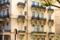 豪华公寓在肯辛顿 中心伦敦居民住房 伦敦英国 免版税库存照片