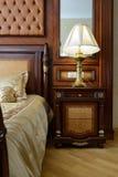 豪华卧室的内部 免版税库存照片
