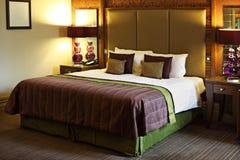 豪华卧室的旅馆 库存照片