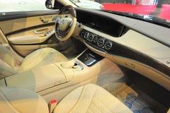 豪华大型高级轿车内部 免版税库存照片