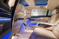 豪华大型高级轿车的后方隔间 免版税图库摄影
