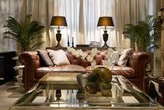 豪华客厅的内部 免版税图库摄影