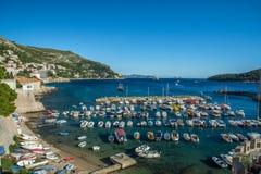 豪华小船和美丽的海 库存照片