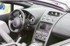 豪华小轿车Sportcar的内部 库存图片