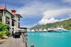 豪华居住和小游艇船坞在伊甸园海岛,塞舌尔群岛 免版税图库摄影
