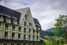 豪华山区度假村在冬天在大叻,越南 免版税库存图片