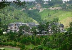 豪华山区度假村在冬天在大叻,越南 免版税库存照片