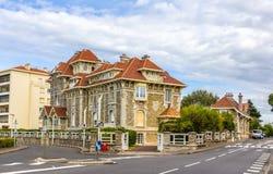 豪华房子在比亚利兹-法国 免版税库存图片