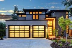 豪华新建工程家在Bellevue, WA 免版税库存图片