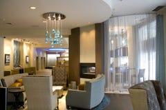 豪华旅馆大厅客厅内部 免版税库存照片