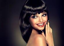 豪华时尚样式,钉子修剪,化妆用品,构成 免版税库存图片