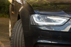 豪华汽车正面图用推进方式 免版税库存图片
