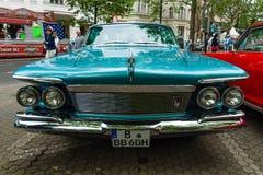 豪华汽车皇家习惯4门南安普敦, 1961年 库存图片