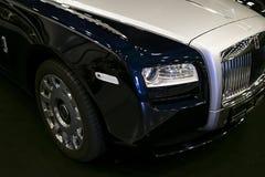 豪华汽车罗斯劳艾氏幽灵的正面图 罗斯劳艾氏汽车限制了豪华汽车全球性制造商  免版税库存图片
