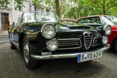 豪华汽车阿尔法・罗密欧2600蜘蛛(Tipo 106), 1963年 库存照片