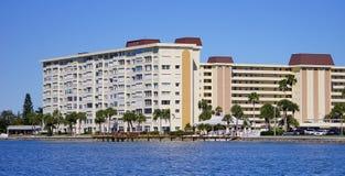 豪华海滩旅馆全景  库存照片
