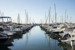 豪华游艇在彻特d ` Azur,法国 免版税库存照片