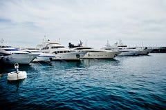 豪华游艇在摩纳哥 图库摄影