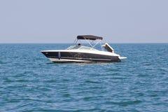 豪华游艇在海 免版税图库摄影