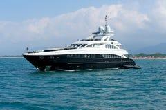 豪华游艇mediteranean海运撒丁岛 库存图片