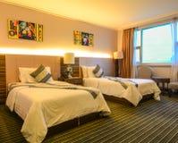 豪华现代旅馆客房看法  库存照片