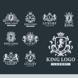 豪华精品店皇家冠优质葡萄酒产品纹章商标汇集品牌身份传染媒介例证 向量例证