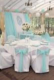 豪华装饰了婚礼的桌 免版税库存图片