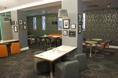 豪华酒吧餐馆在伦敦旅馆里 免版税图库摄影